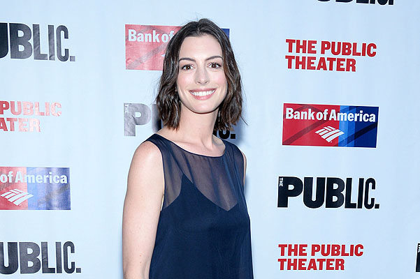 NEW YORK, NY - JUNE 09:  Actress Anne Hathaway attends The Public Theater's Annual Gala at Delacorte Theater on June 9, 2015 in New York City.  (Photo by Ben Gabbe/Getty Images)