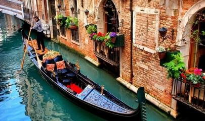 Venecia__Italia__Gondola-001