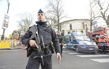 ai-184816-aux-head-20151229_belgium_police_-Zuma_Global_Look_360