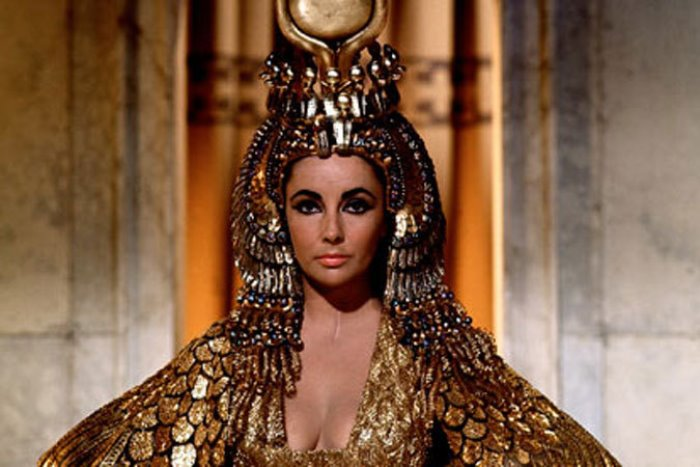Cleopatras-appearance-18