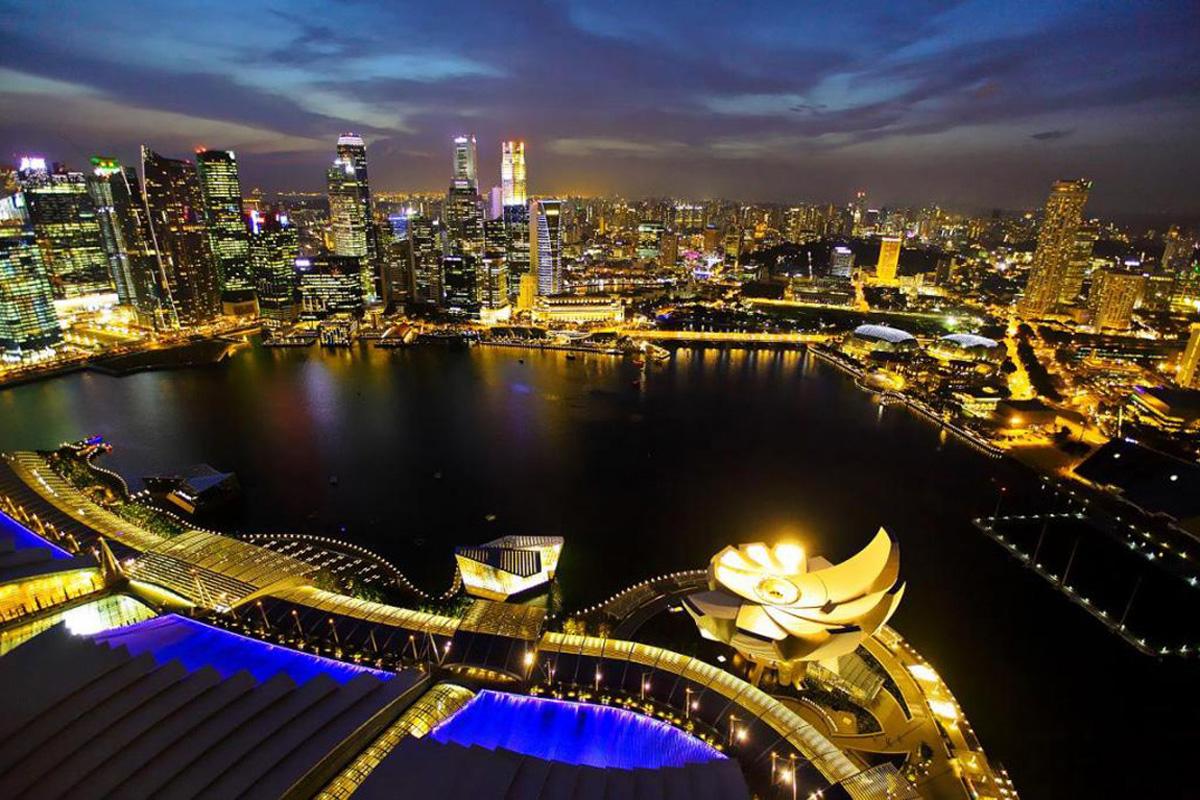Необыкновенный_вид_ночного_Сингапура