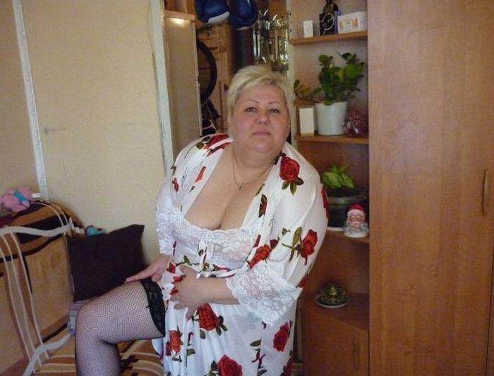 Фото женщин с сайт знакомств красивых сисек