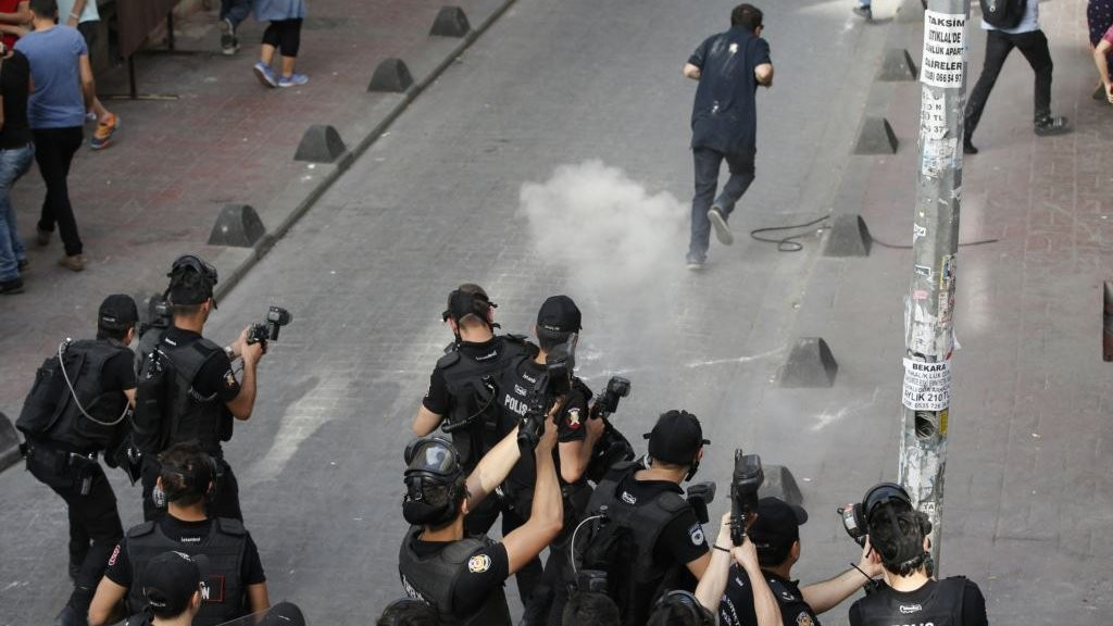 секс полиция силой
