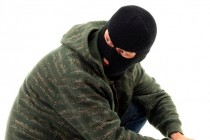 1-bandit-v-maske-maska-grabezh