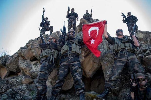 1455890833_tureckie-voennye