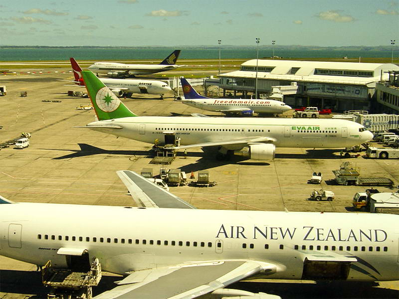 Auckland-airport2