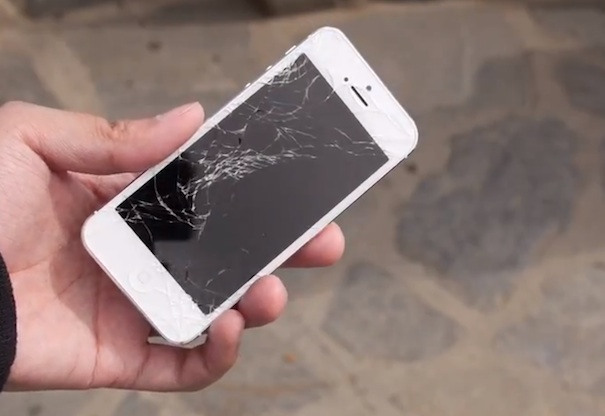 crush_test-iphone-5-vs-htc-one