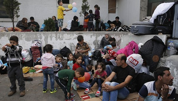 1470740998_migrant