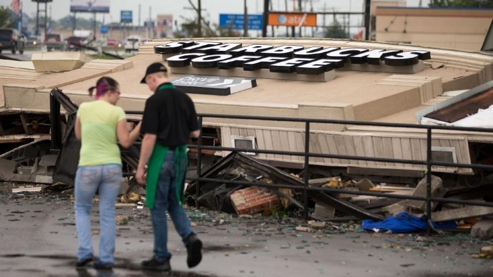 Торнадо смели два американских штата (ФОТО)