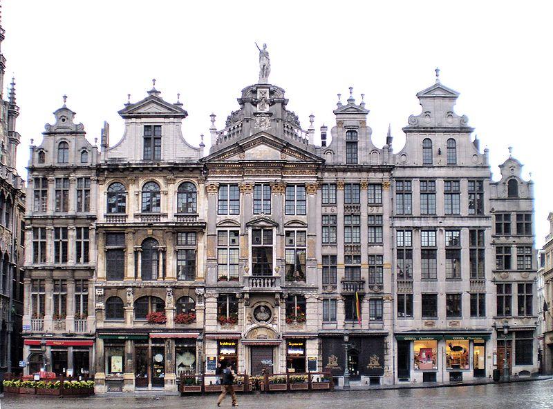 800px-Maisons_Grand-Place_BXL_01
