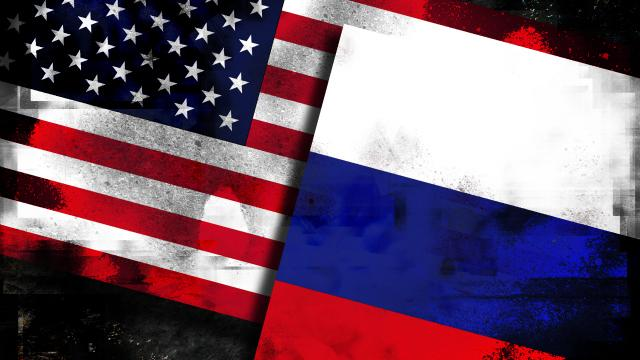 Rossiya-SSHA-flagi