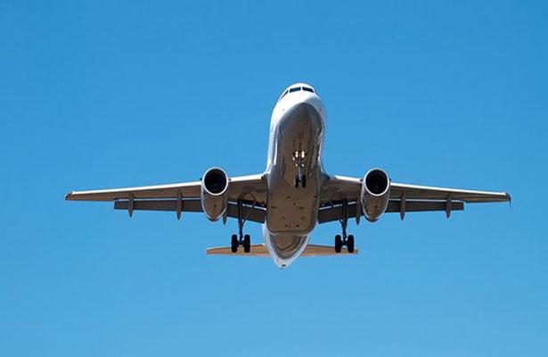 9-летнюю девочку пытались изнасиловать на борту самолета, летящего в Москву