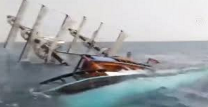 Туристка из России пострадала при катастрофе прогулочного катера у берегов Антальи