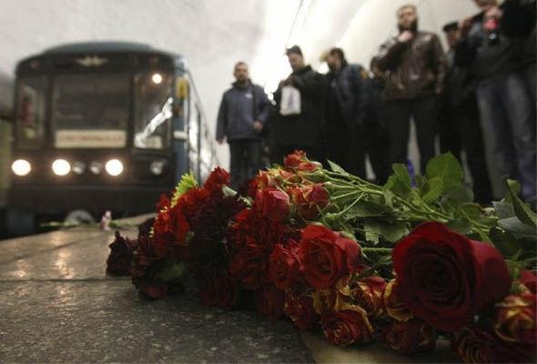 1477641854_v-baku-pominayut-zhertv-strashnoy-tragedii-v-metro