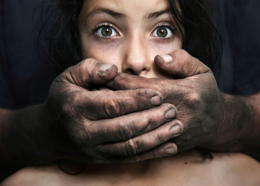 sexueller-missbrauch-an-kindern104655430