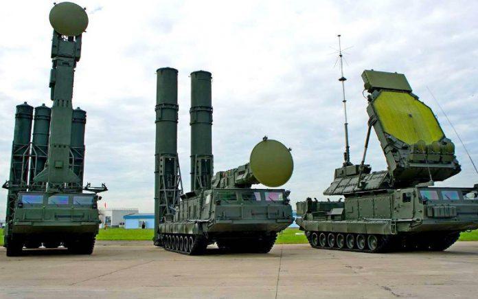 rossiya-razvorachivaet-v-sirii-zenitnuyu-raketnuyu-sistemu-s-300-696x435