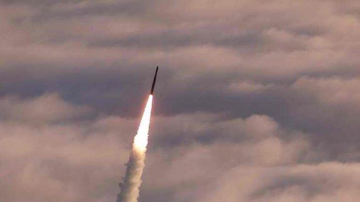 saudovskaja-aravija-sbila-vypuschennuju-jemenom-ballisticheskuju-raketu-foto-iz-arhiva_rect_785a8f2f5981e446ad89c244f59bcea2