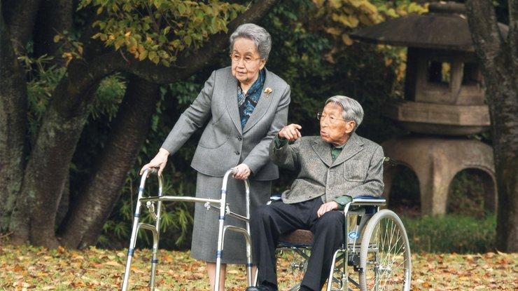 v-japonii-umer-chlen-imperatorskoj-semi-prints-mikasa_rect_19fd174368946745fecd6649c14acb55