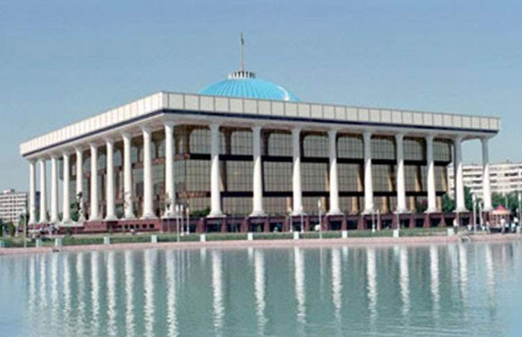 1479970530_parlament-uzbekistan