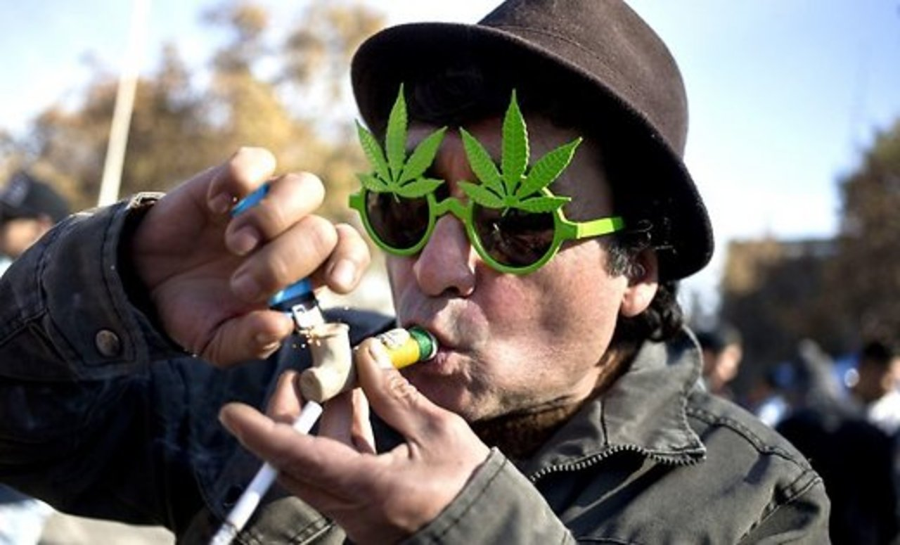 Марихуана курит марихуану новые песни про марихуану