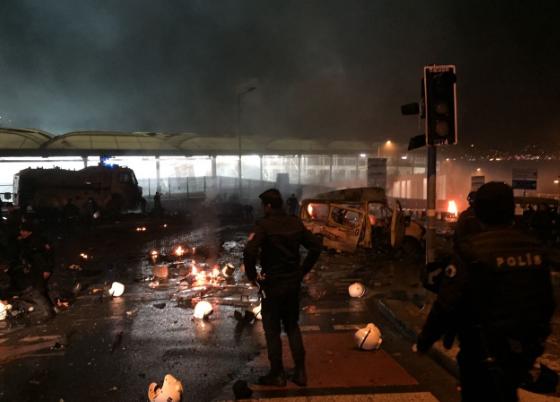 0x0-explosion-rocks-istanbuls-besiktas-district-1481400211731