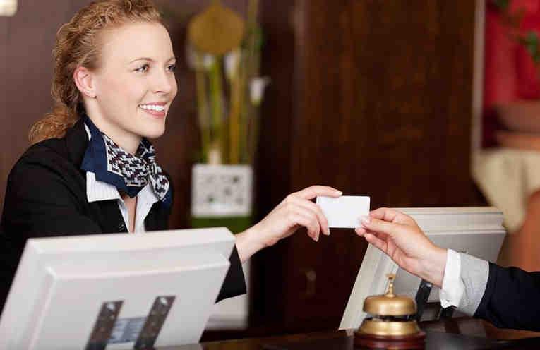 hotel-card-1