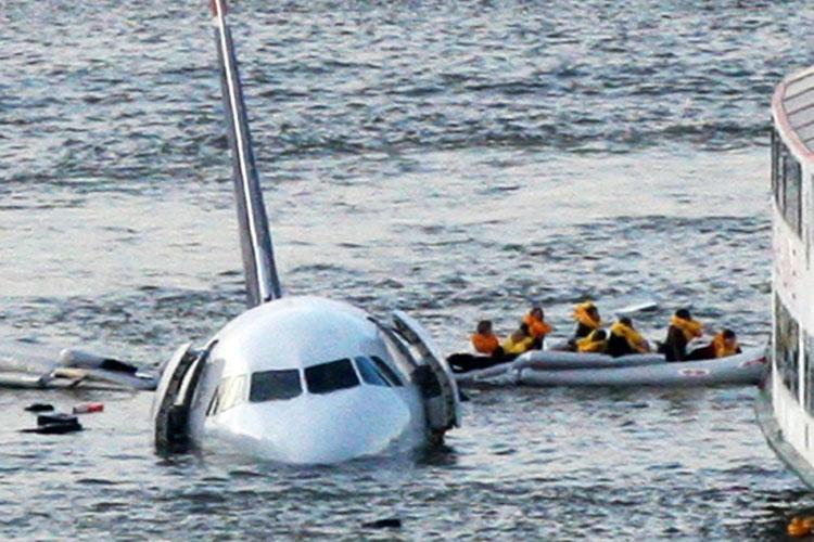 plane-water-landing-05