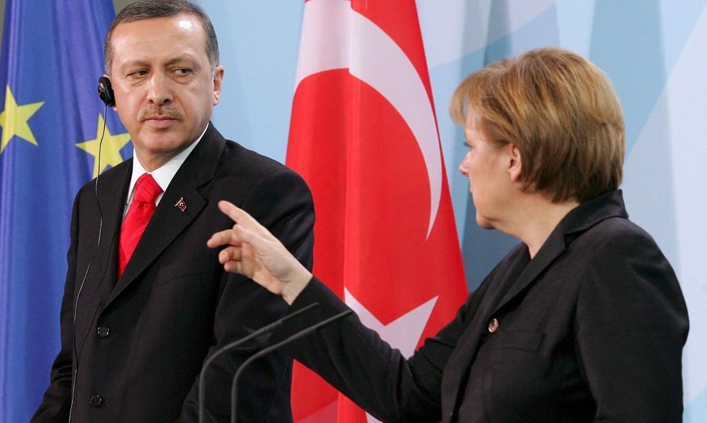Ангела-Меркел_-ставит-на-место-Эрдогана
