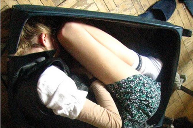 девочка-в-чемодане (1)