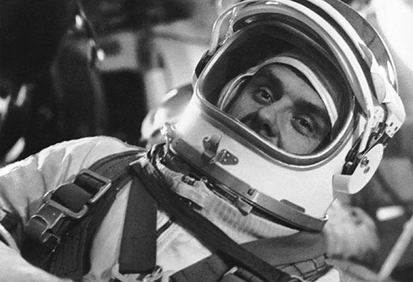 Commander of Soyuz 1 space vehicle Soviet cosmonaut Vladimir Komarov is pictured at training. Photo TASS Командир космического корабля