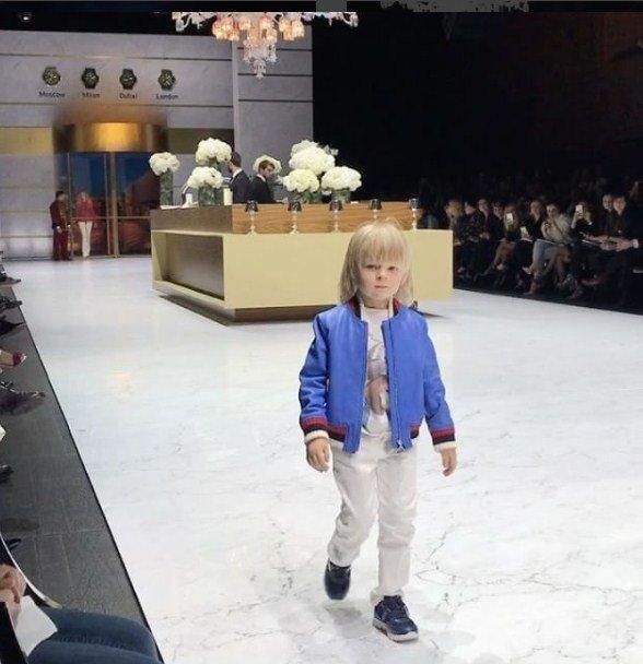 rudkovskuyu-raskritikovali-za-uchastie-4-letnego-syna-v-modnom-pokaze_1