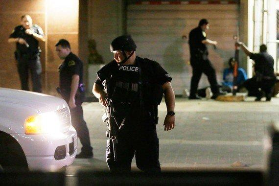 1494057279_v-dalase-policeyskiy-zastrelil-15-letnego-afroamerikanskogo-podrostka