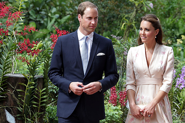 SINGAPORE - SEPTEMBER 11:  Catherine, Duchess of Cambridge and Prince William, Duke of Cambridge visit Singapore Botanical Gardens on day 1 of their Diamond Jubilee tour on September 11, 2012 in Singapore.  Prince William, Duke of Cambridge and Catherine, Duchess of Cambridge are on a Diamond Jubilee Tour of the Far East taking in Singapore, Malaysia, the Solomon Islands and the tiny Pacific Island of Tuvalu.  (Photo by Nicky Loh/Getty Images)