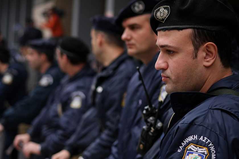 1085x1500_Греция_police