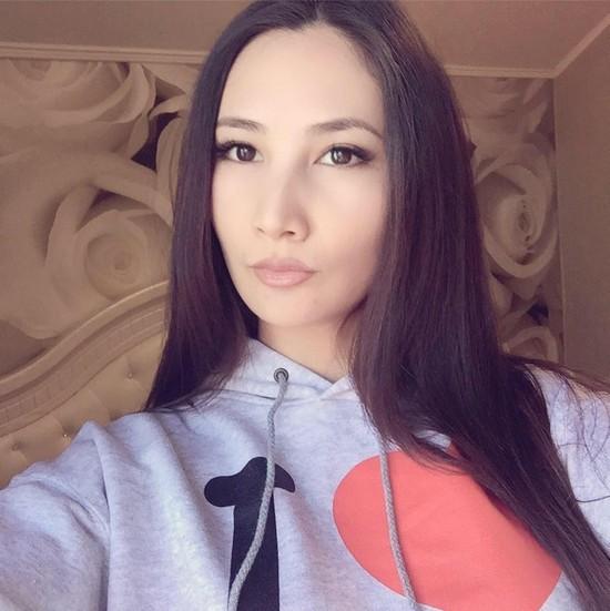22-letnyaya-koroleva-krasoty-skonchalas-ot-raka_3