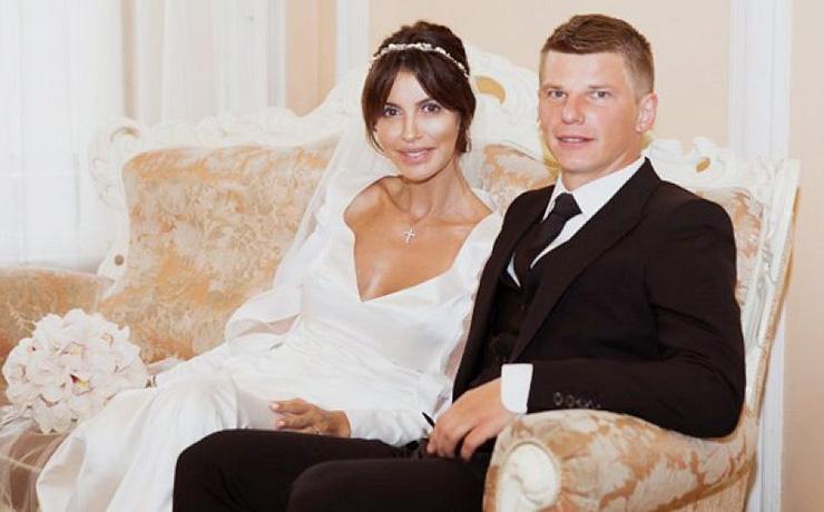 supruga-andreya-arshavina-prostila-futbolistu-izmenu-s-modelyu_1