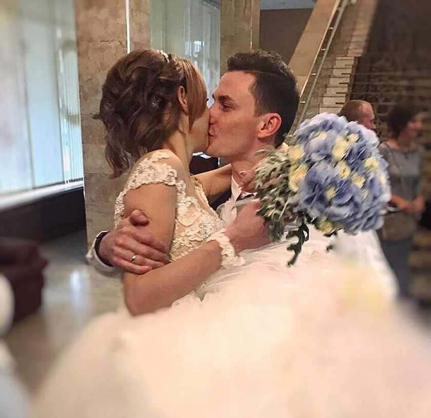Фото изнасиловал на свадьбе