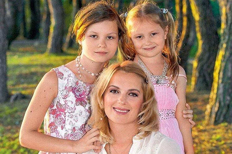 Актриса мария порошина фото с детьми