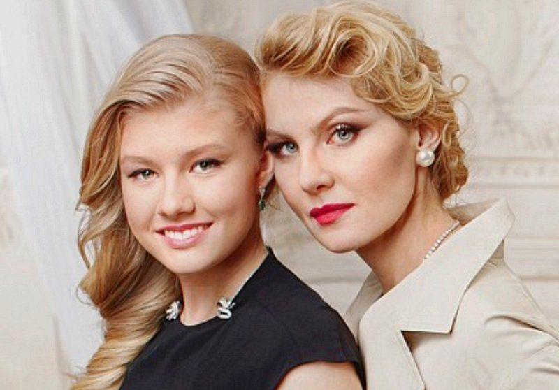 рената литвинова фото с дочерью