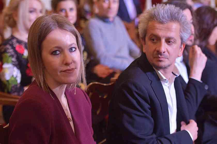 «Залет по неосторожности»: В Сети обсуждают предстоящую свадьбу Собчак и Богомолова
